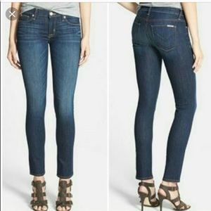 🔥Hudson skinny jeans a must have for fall!!🔥